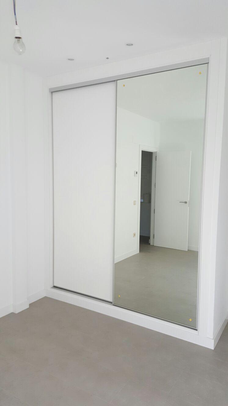 Armario Corredera Puertas Espejo.
