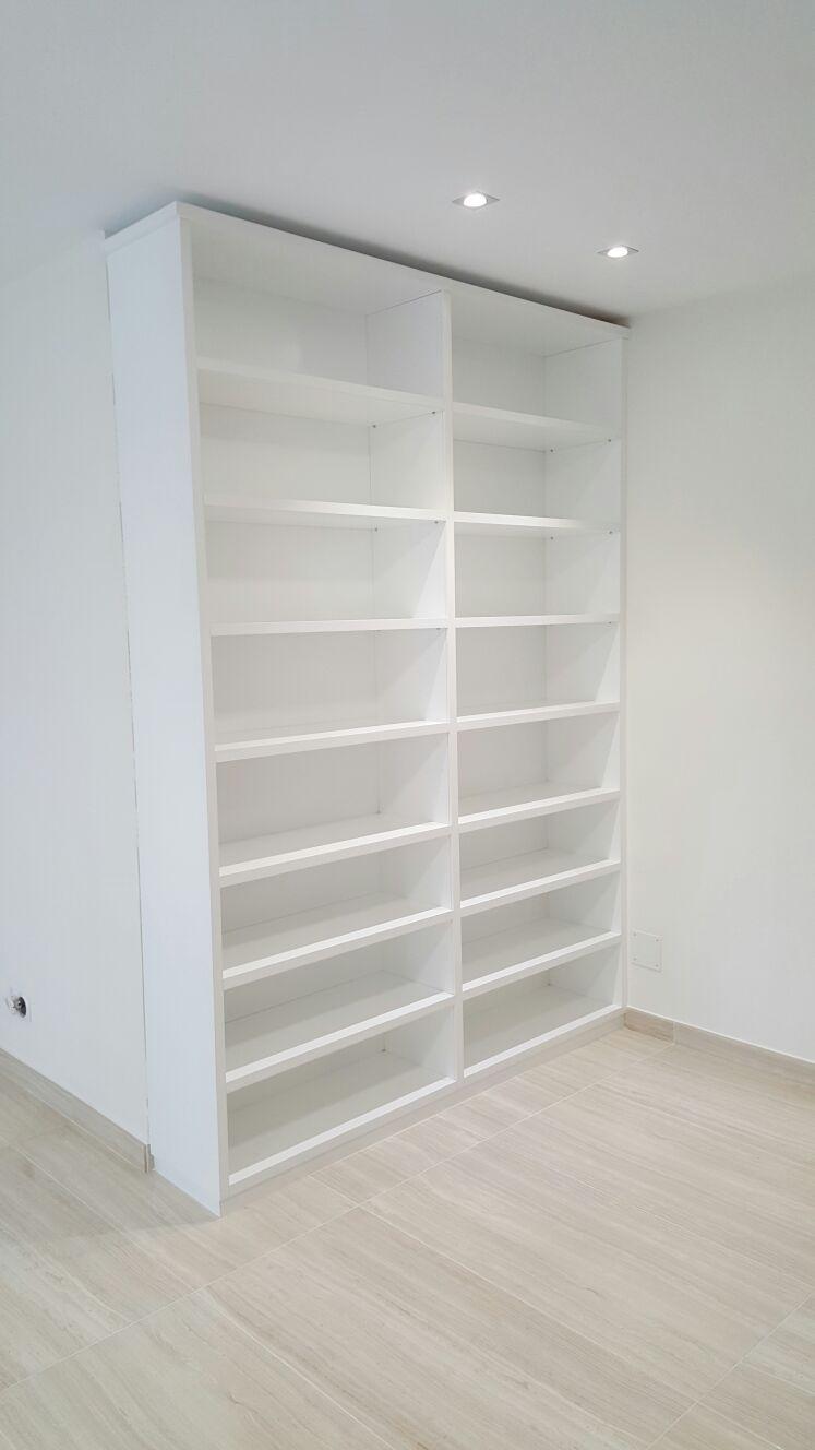 Libreria Lacada.