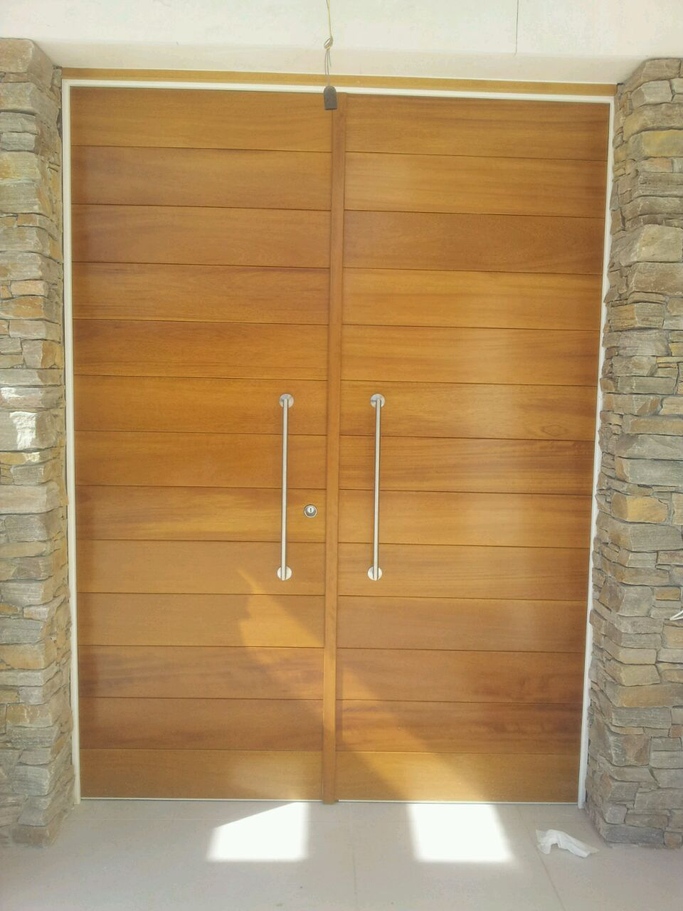 Puerta Acorazada Doble Hoja.
